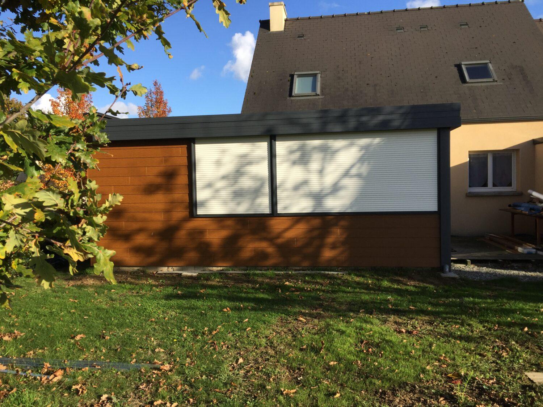 Une extension toit plat bardage bois à Rennes